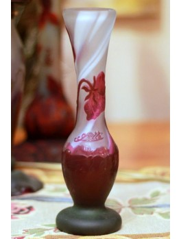 Wazon z kwiatami- szkło typu Galle