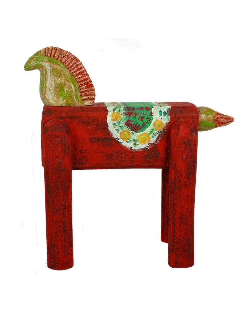 Rzeźba - czerwony koń