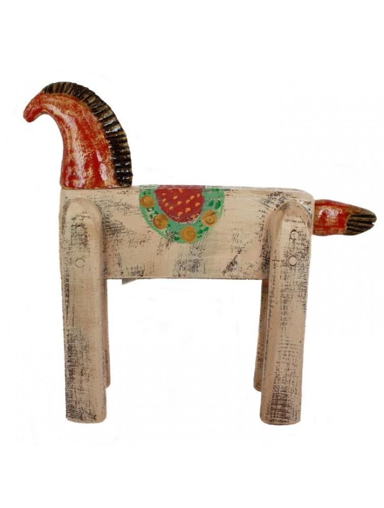Rzeźba - różowy koń