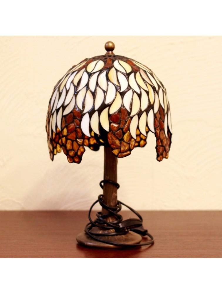 Lampa witrażowa z bursztynami